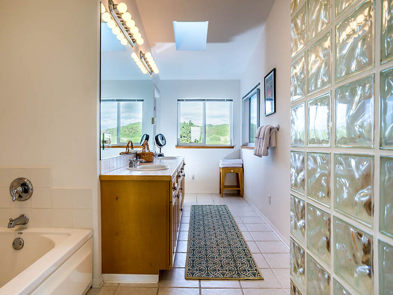 Master bath w/spacious, relaxing jet bathtub and separate walk in shower