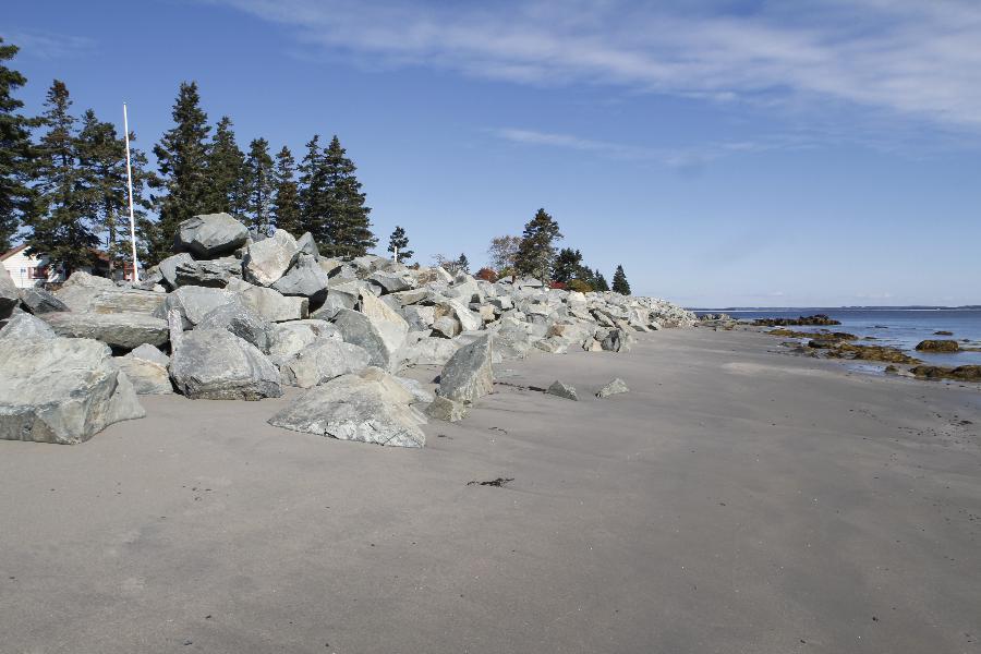 Crescent Cove beach